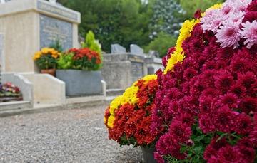 Articles funéraires pour rendre hommage à un proche défunt