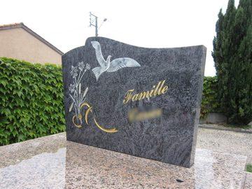 Gravure funéraire dans la région de Castelnau-Picampeau