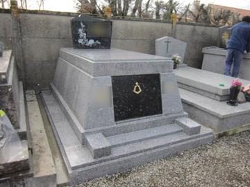 Habillage de monuments funéraires et fabrication de marbrerie à Castelnau-Picampeau